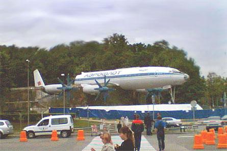 Tu-114 break-up 03